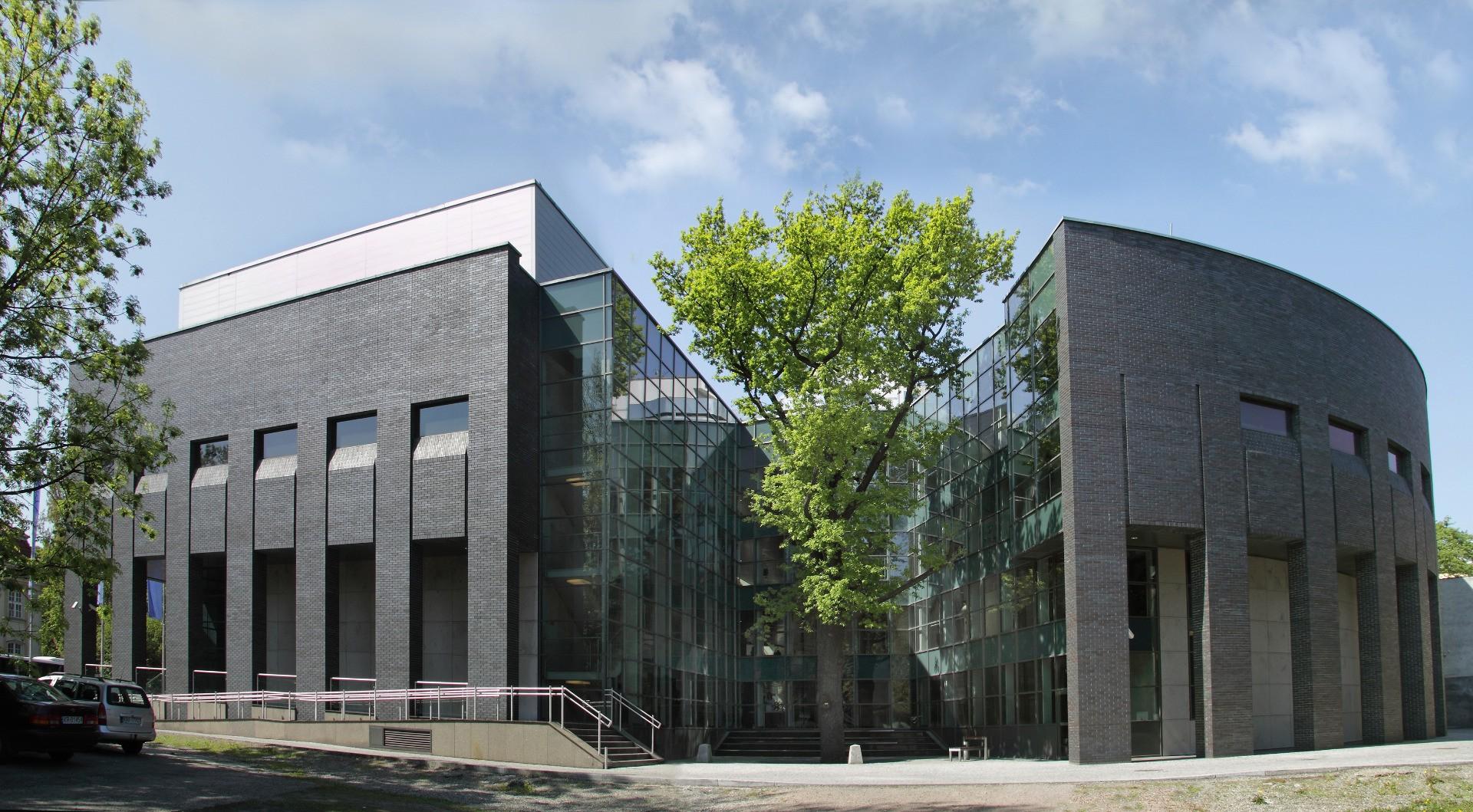 Finishing the construction of Auditorium Maximum at Jagiellonian University