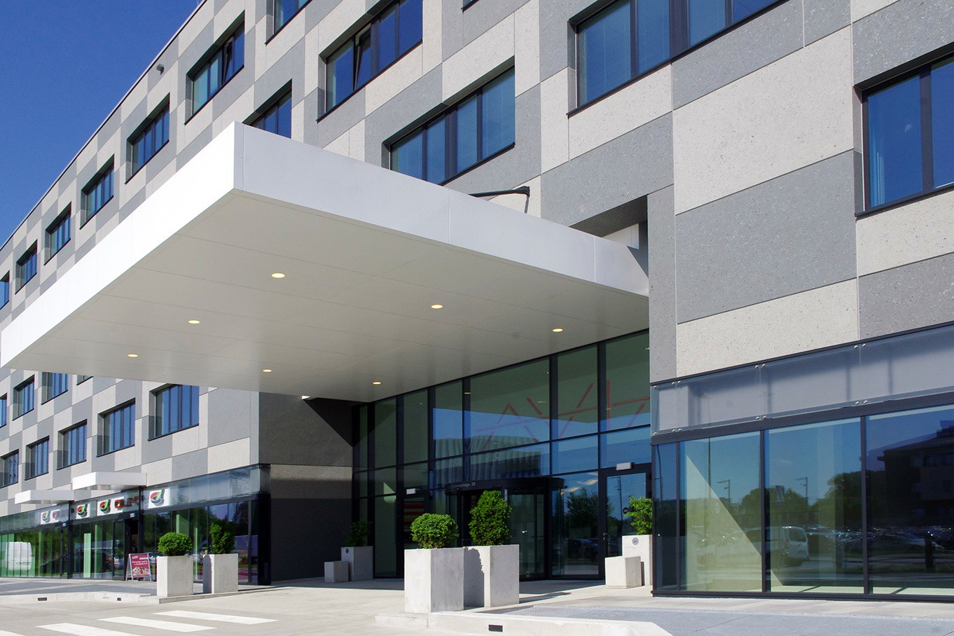 Official opening of AVIA office building