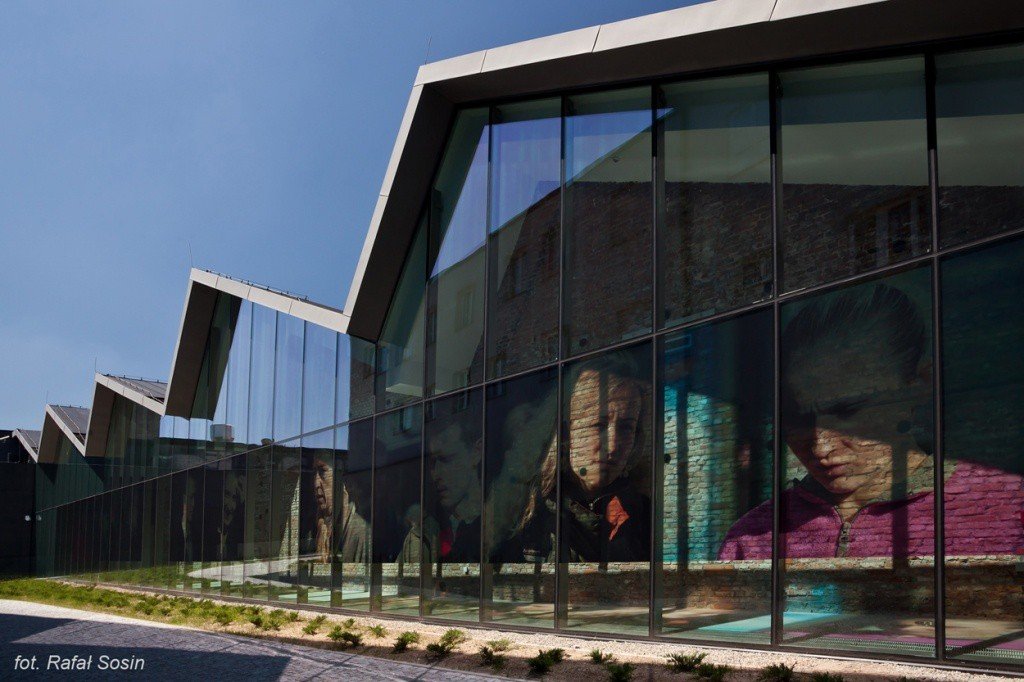 Co-operation with the Museum of Contemporary Art in Krakow
